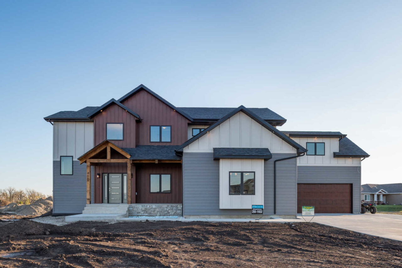 Residential photos paramount builders inc bismarck for Residential home builder